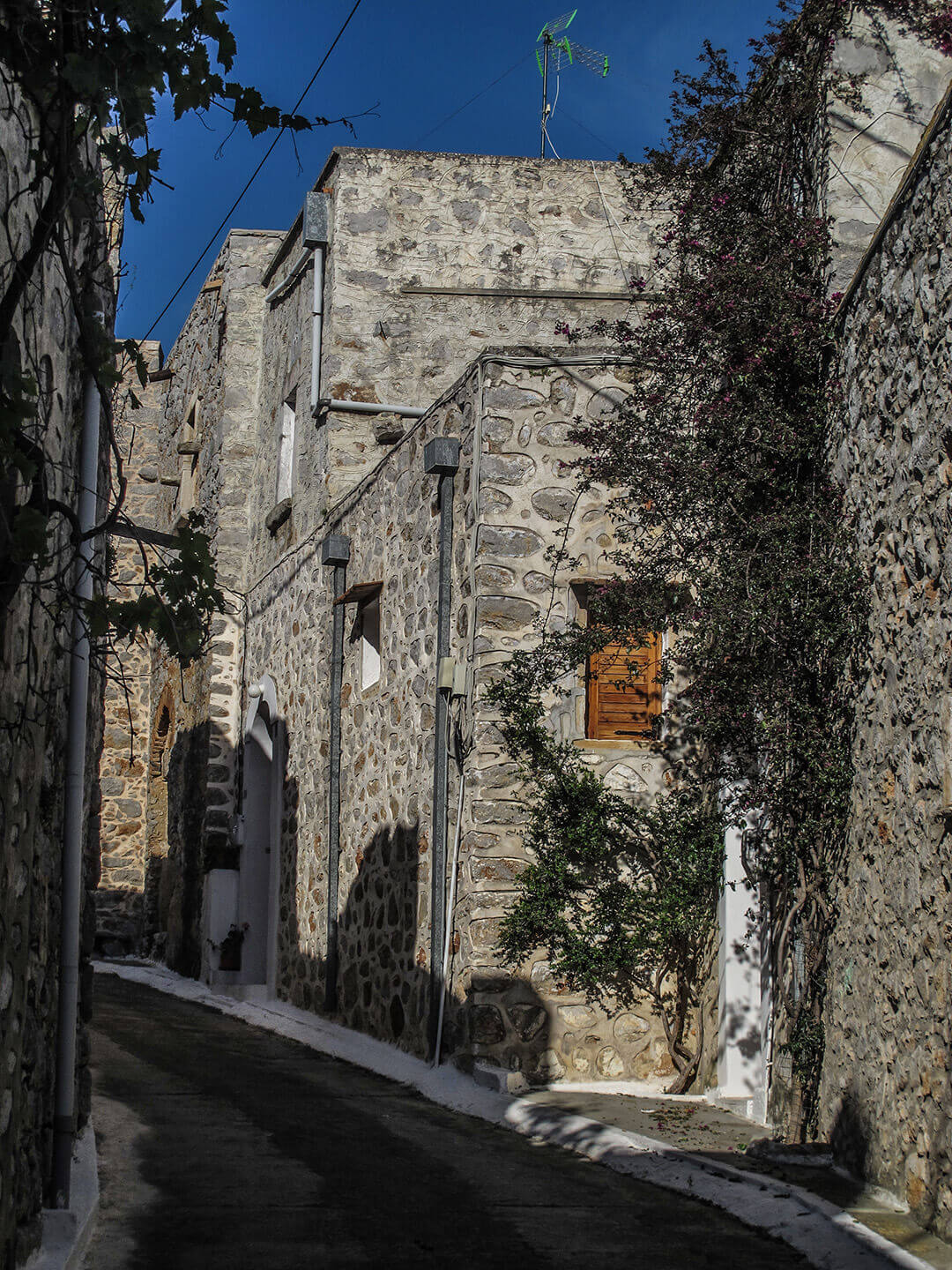 Vessa, a medieval village in south Chios